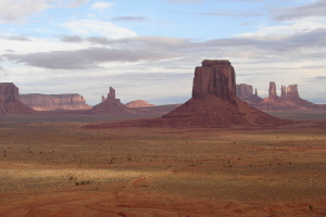 Monument Valley 2 300.jpg